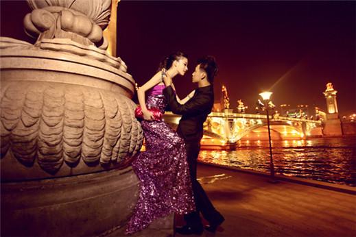 时尚夜景风格婚纱照 让爱情越夜越美丽