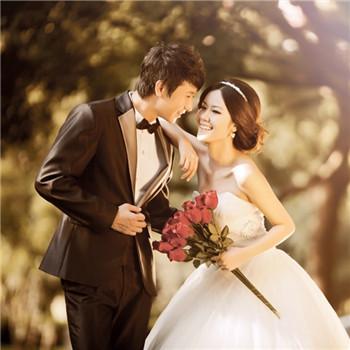 首页 生活 婚庆 结婚攻略  想象自己是最漂亮的人,不要老担心自己样子