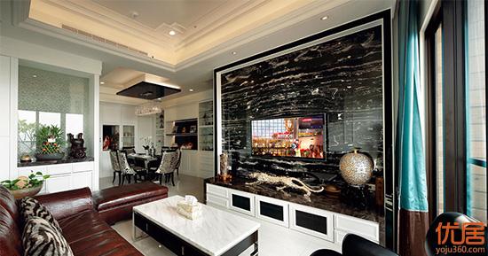 横向纹的银白龙大理石电视墙,增添空间华丽尺度.