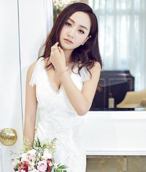 2016年韩式浪漫新娘发型