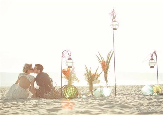海景沙滩婚纱照样片 细沙摩挲时光漫步