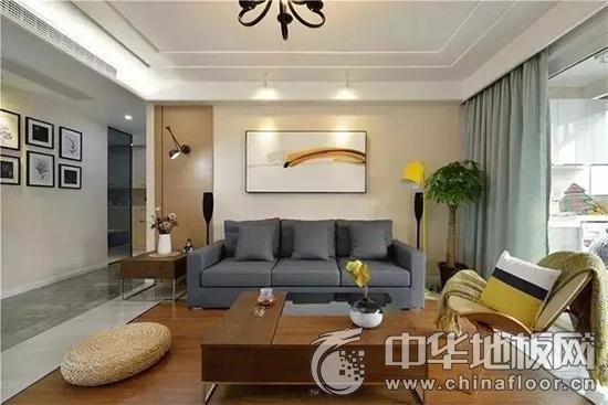 客厅木地板